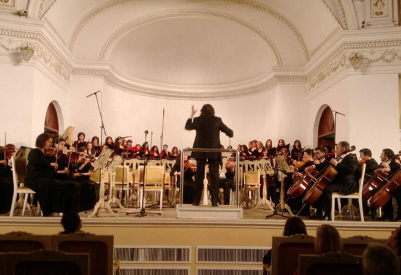 В Филармонии прошел юбилейный концерт Азера Дадашова