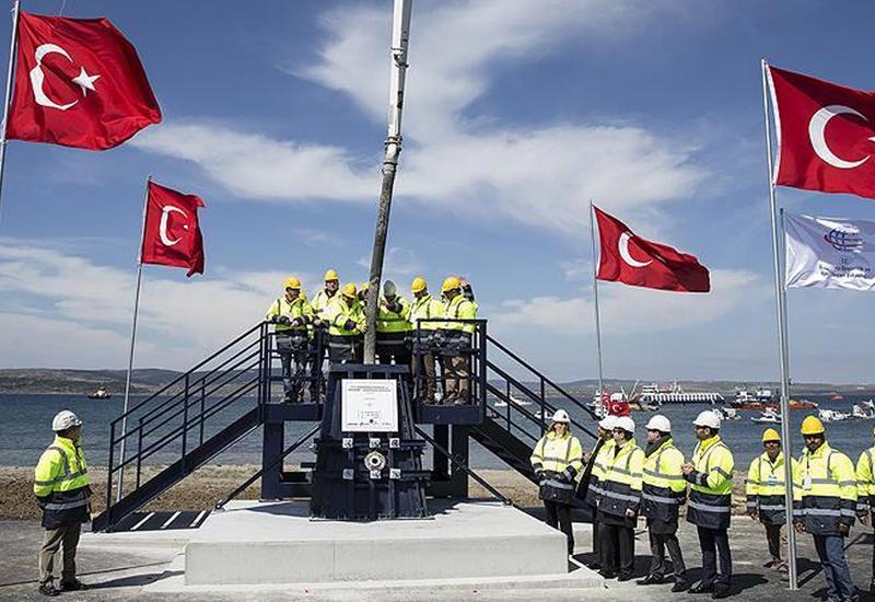 В Турции заложен фундамент самого длинного подвесного моста в мире