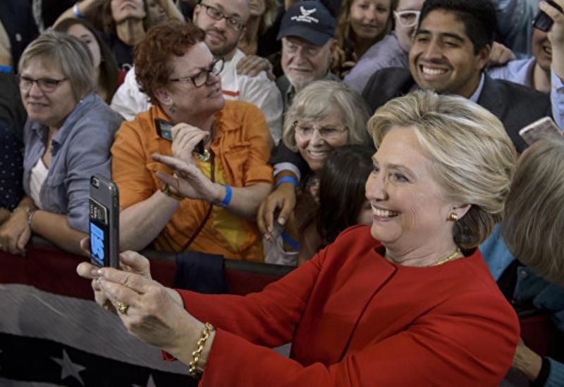 Клинтон имела доступ к секретным документам, даже покинув пост госсекретаря