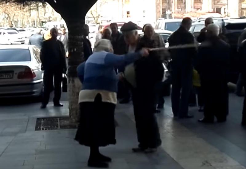 Новые лица балагана в Армении – «Тупой Гагик», Ким Кардашьян и «бабушка РПА»