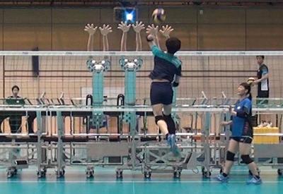 """Волейбольная сборная Японии привлекла к тренировкам робота <span class=""""color_red"""">- ВИДЕО</span>"""