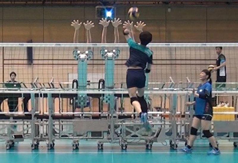 Волейбольная сборная Японии привлекла к тренировкам робота
