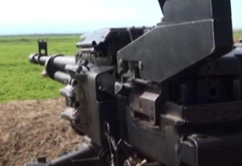 Массированный обстрел на линии фронта: армяне задействовали пулеметы