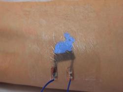 С помощью татуировки можно будет управлять смартфоном - ФОТО