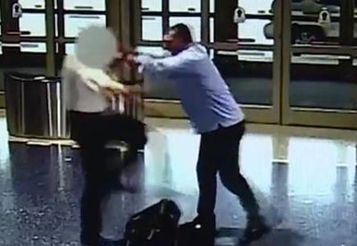 "Пассажир избил пилота American Airlines <span class=""color_red"">- ВИДЕО</span>"