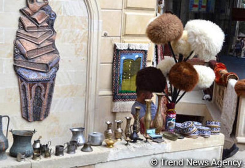 В Баку ограничивается уличная торговля
