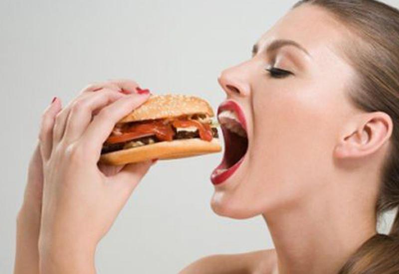 10 привычек, из-за которых люди толстеют