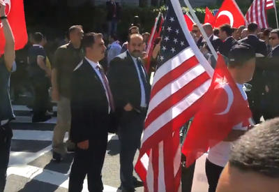 Получив по заслугам, армяне США затеяли новую провокацию против Анкары