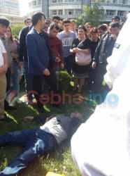 Bakıda metronun qarşısında faciə: yıxılıb öldü - FOTO