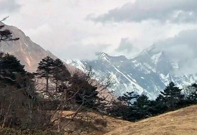 На Эвересте погибли альпинисты