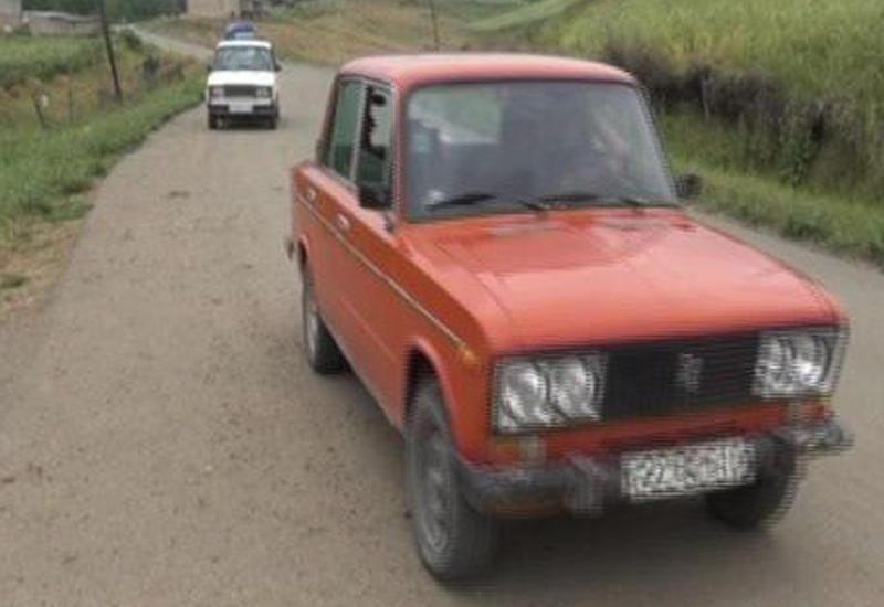 На одной из дорог в Азербайджане автомобили едут сами по себе