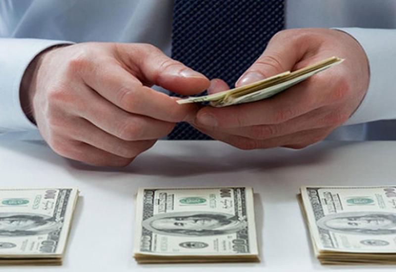 Центробанк Азербайджана изменил курс доллара