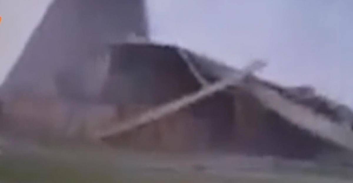фото пирамиды на новой риге после урагана обеими