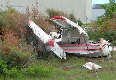 """В Канаде разбился самолет, погибли люди <span class=""""color_red"""">- ВИДЕО</span>"""