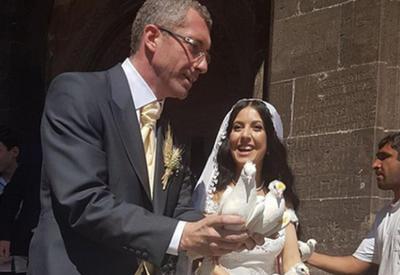 У армянофила Энгеля не хватило смелости венчаться в Карабахе