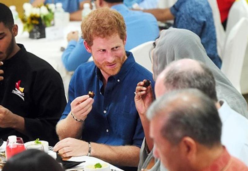 Принц Гарри принял участие в ифтаре