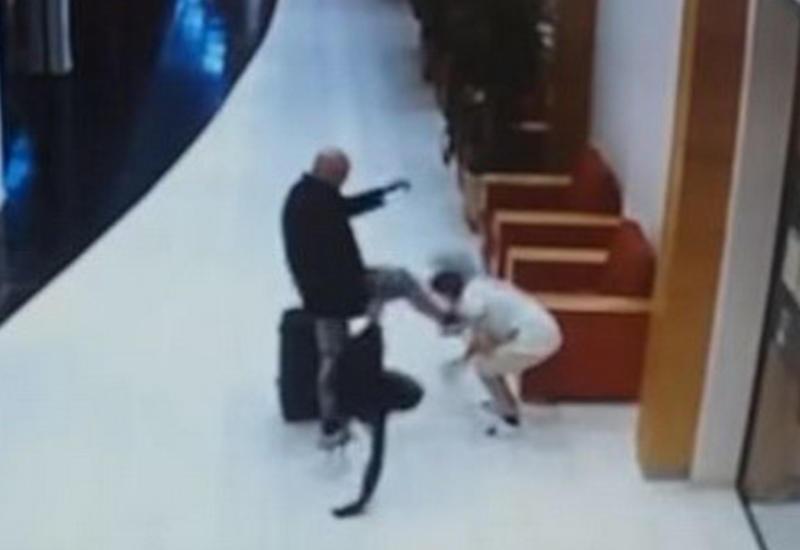 Агрессивный турист пнул в лицо горничную отеля в Болгарии