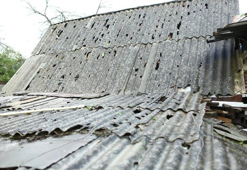 Выпавший в Гяндже град нанес серьезный ущерб почти 130 домам