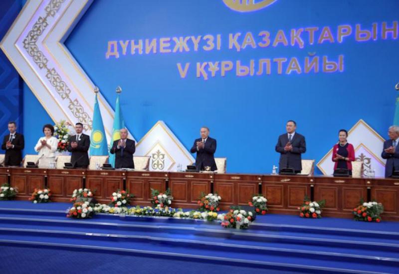 Нурсултан Назарбаев: При переходе на латинский алфавит надо использовать опыт Азербайджана