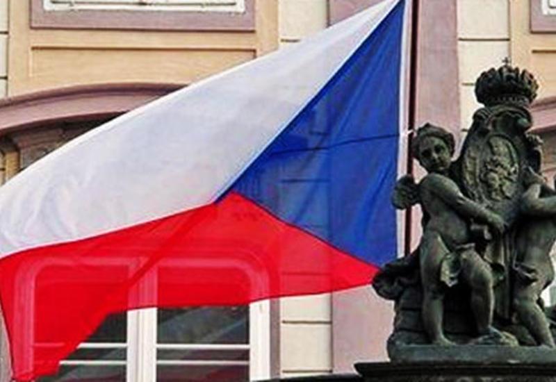 Парламент Чехии призвал правительство самостоятельно продлить в стране режим ЧС
