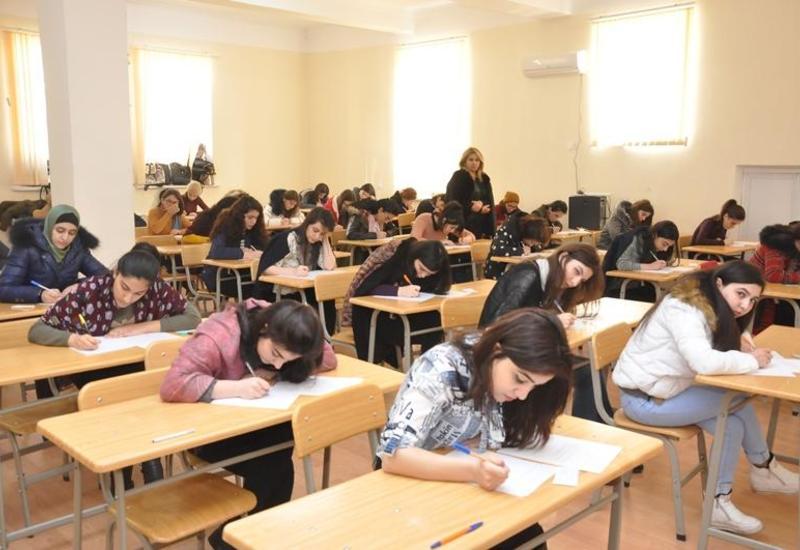 В Азербайджане улучшились результаты выпускных экзаменов
