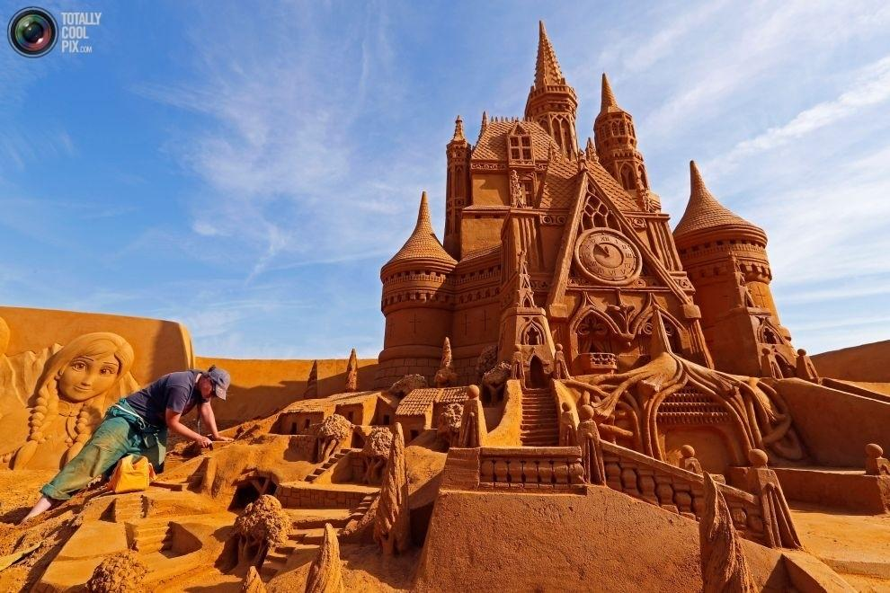 "Фестиваль песчаных скульптур ""Disney Sand Magic"" в Бельгии"