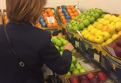 Армяне узнали, что уже давно едят азербайджанские помидоры