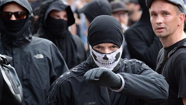 «Ходячие мертвецы»: вГамбурге прошел необыкновенный протест против саммита G20