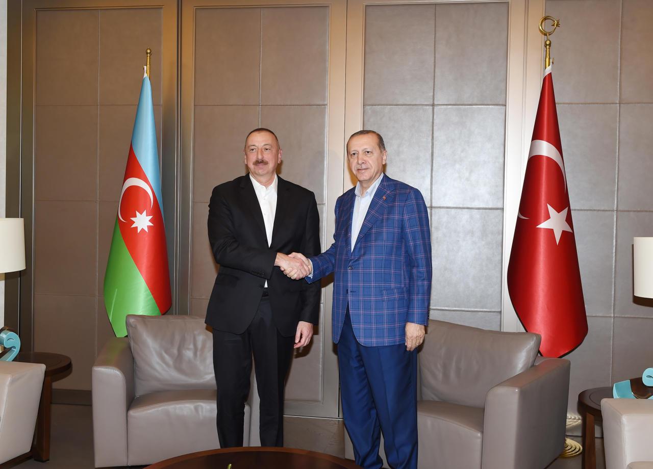 Алиев вСтамбуле пожаловался Эрдогану наАрмению