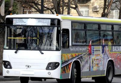 В Баку полностью заменили автобусы на одной из маршрутных линий