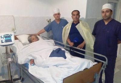 Главврач о состоянии женщины, раненой в результате обстрела Арменией мирных жителей села Алханлы