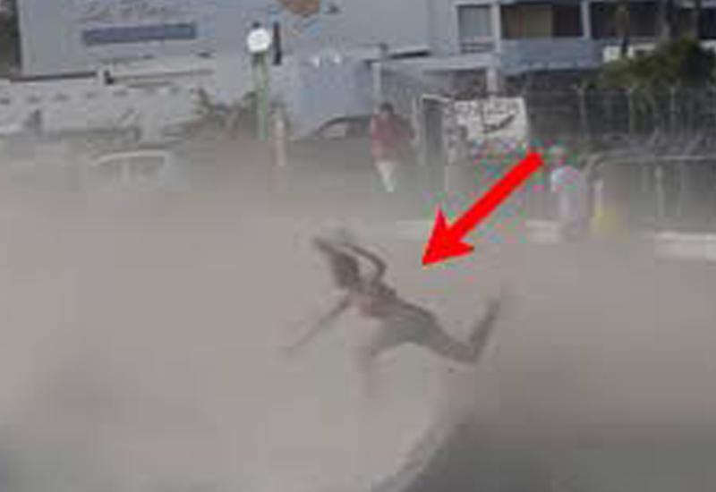 Туристку насмерть сдуло с пляжа самолетом