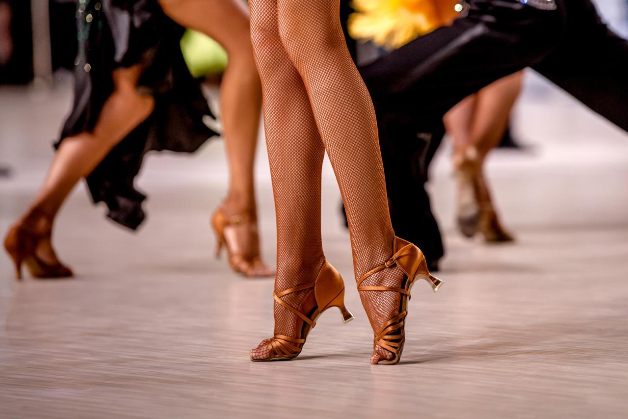 Танцевать и худеть - Зумба, степ и еще 5 танцев, которые помогут быть в форме - ФОТО