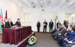 Президенты Азербайджана и Латвии выступили с заявлениями для печати