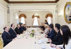 Президент Ильхам Алиев встретился в Риге с председателем Сейма Латвии - ФОТО