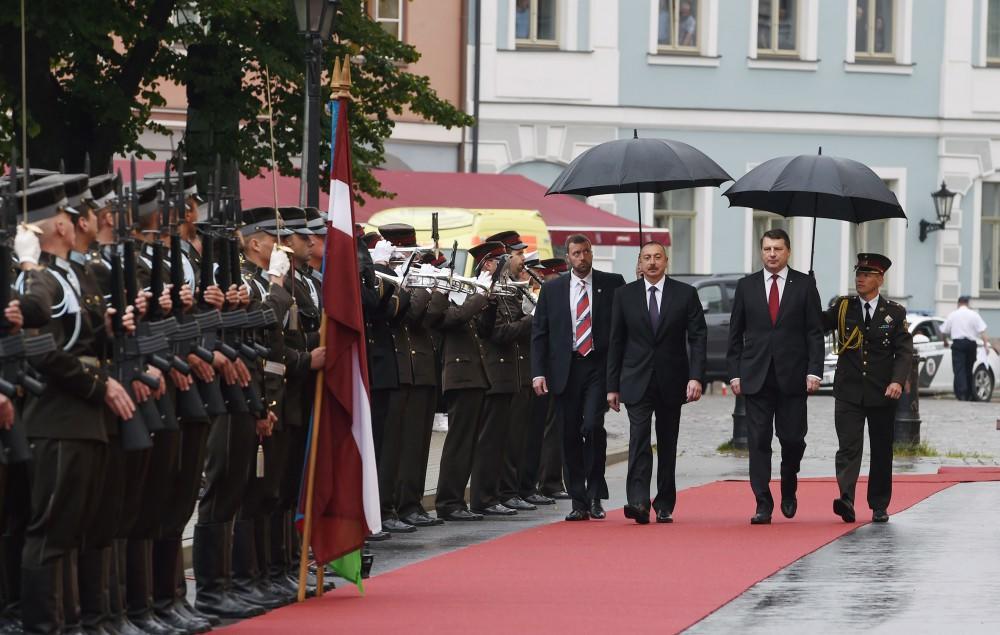 Президенты Азербайджана и Латвии выступили с заявлениями для печати - ОБНОВЛЕНО - ФОТО