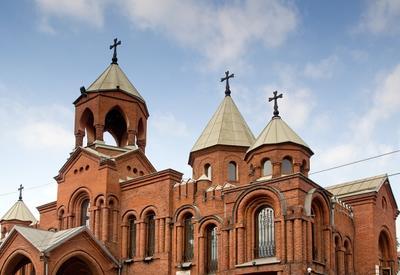 Армянская церковь отбирает землю у ученых