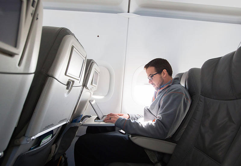 Отменен запрет на пронос ноутбуков на рейсы, следующие в США