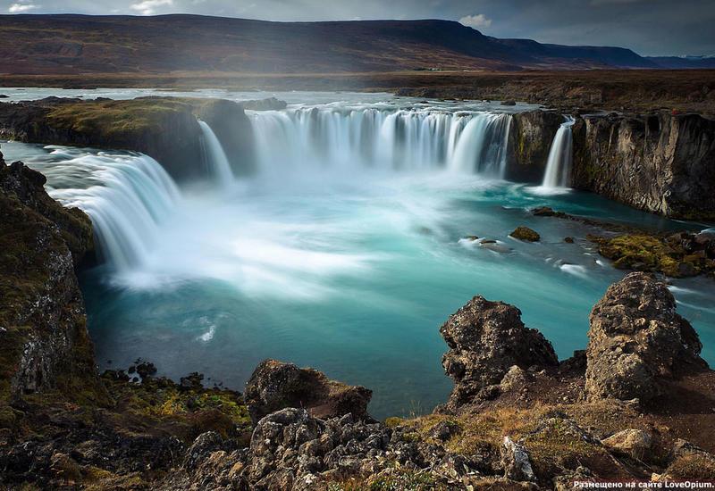 В Исландии ищут упавшего в водопад грузина