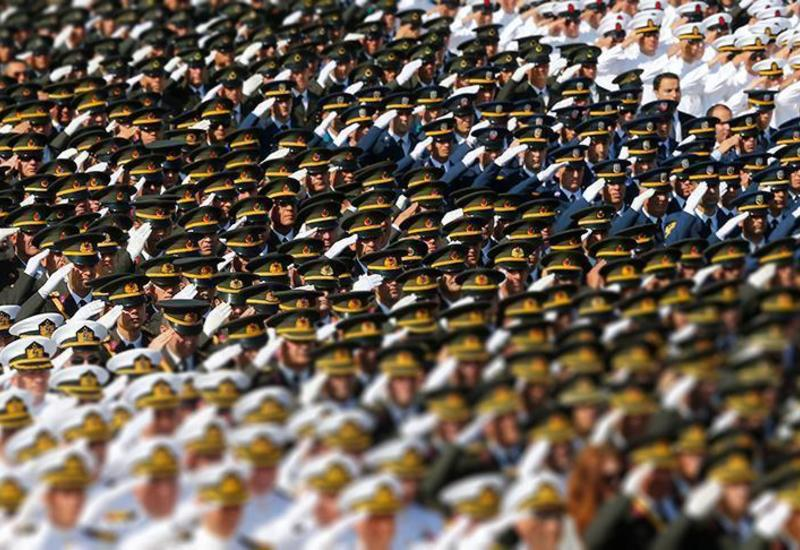В Турции резко сократили число генералов