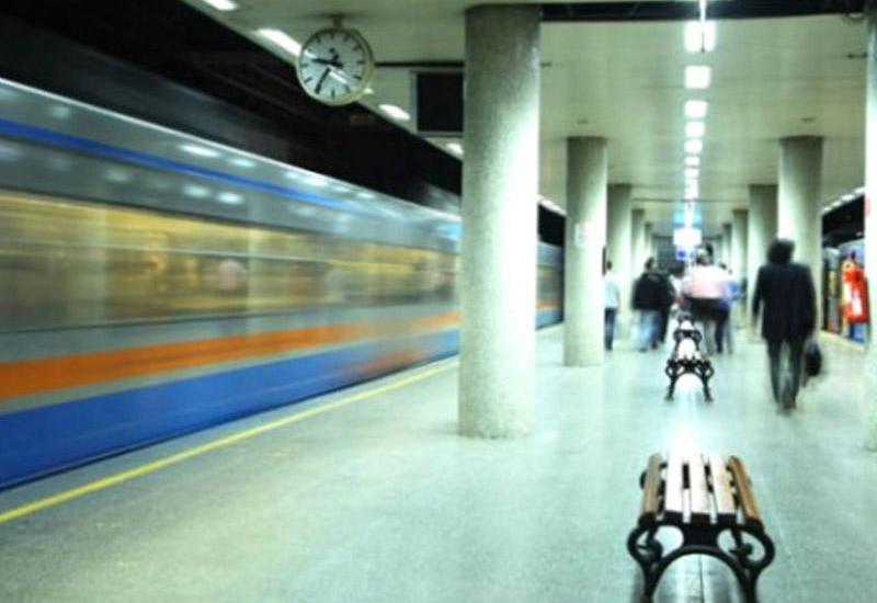 İstanbul metrosunda həyəcanlı anlar: Sərnişinlər qatarlardan boşaldıldı...