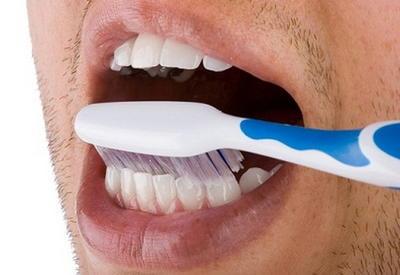 """10 способов удалить зубной налет при помощи натуральных средств! <span class=""""color_red"""">- ФОТО</span>"""