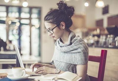 """ТОП-4 совета фрилансерам, работающим в кафе <span class=""""color_red"""">- ФОТО</span>"""