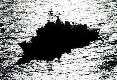 ABŞ donanması İran gəmisinə atəş açdı