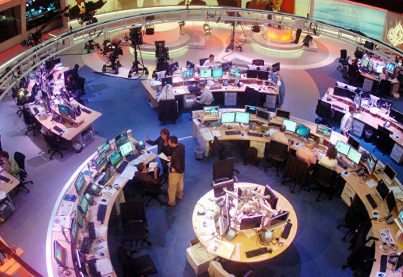 """Саудовская Аравия настаивает на закрытии Катаром телеканала """"Аль-Джазира"""""""