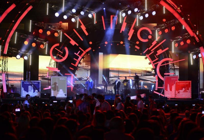 """Музыкальный фестиваль «Жара-2017» открылся песней «Сбежим в Баку» <span class=""""color_red"""">- ФОТО</span>"""