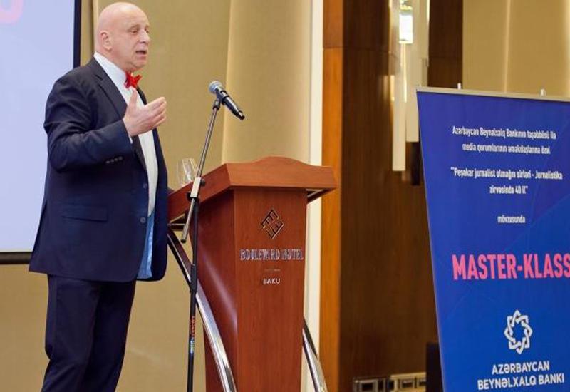 """Rusiyanın tanınmış kəşfiyyatçı-jurnalisti Azərbaycan mediasına tövsiyələrini verdi <span class=""""color_red"""">- FOTOLAR</span>"""