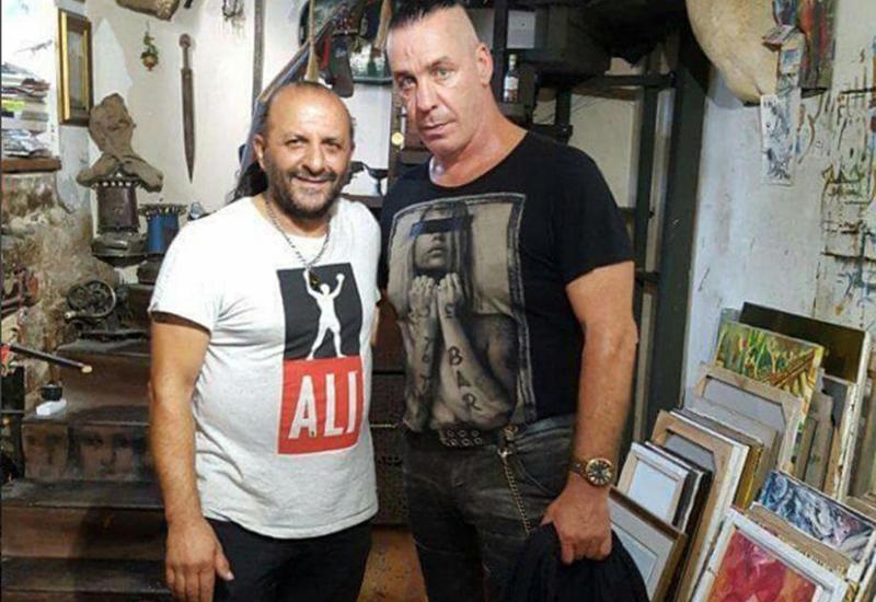 "Солист группы Rammstein прогулялся по Ичеришехер <span class=""color_red"">- ФОТО</span>"
