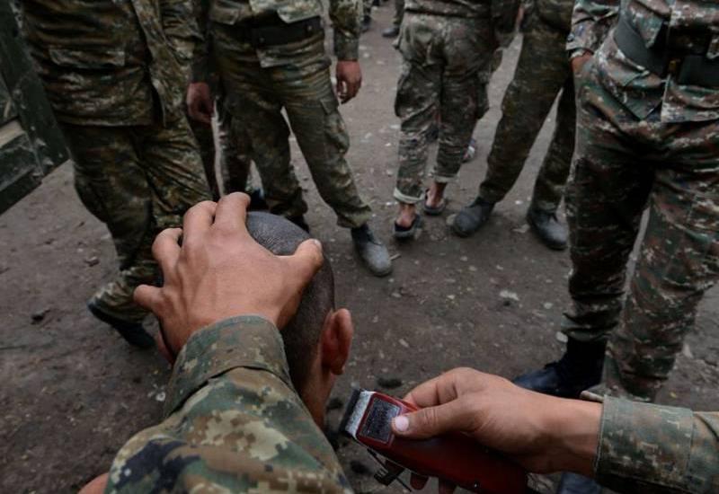 """Ermənistan ordusunda """"dedovşina"""" <span class=""""color_red"""">- """"Botinka işi"""", dava, fərarilik</span>"""
