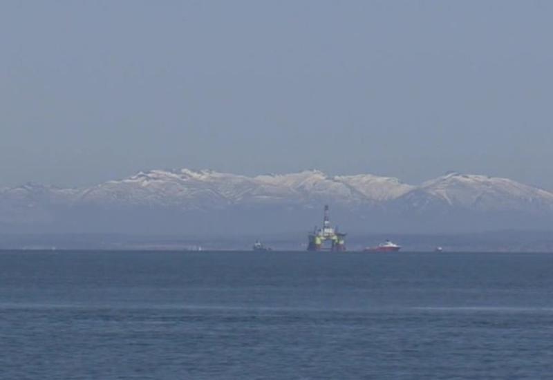 В Японском море ищут российского моряка, упавшего за борт
